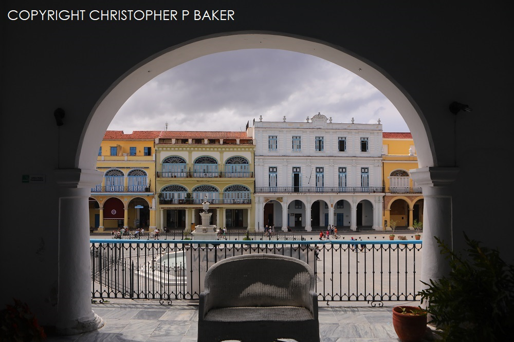 025A6867 1000px Plaza Vieja, Habana Vieja; copyright Christopher P Baker – ALL RIGHTS RESERVED