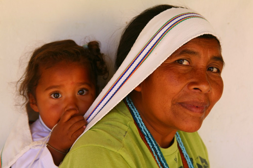 COL IMG_1021 Kogi woman with child, Nabusimake, Colombia; copyright Christopher P Baker