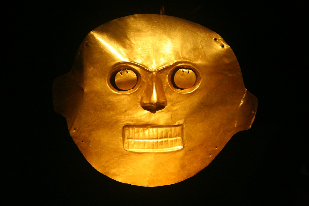 COL_9953 Gold death mask, Gold Museum, Bogota, Colombia. Copyright Christopher P. Baker
